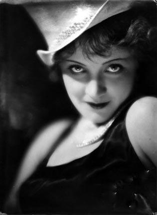 Marlene Dietricht in L'angelo Azzurro al Cinema Odeon