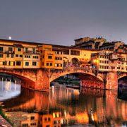 Parcheggiare nei pressi di ponte Vecchio a Firenze