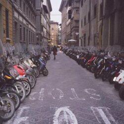 Garage Sole, parcheggio per scooter, moto e motorini a Firenze