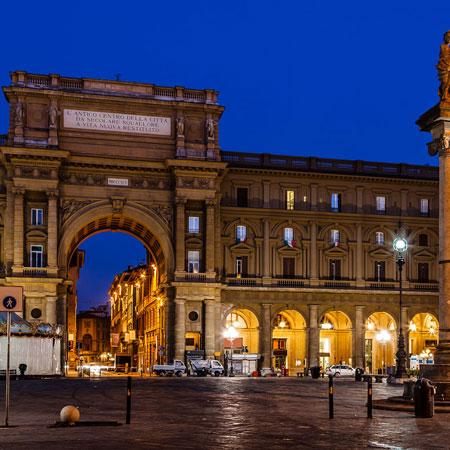 Parcheggiare vicino a piazza della Repubblica a Firenze