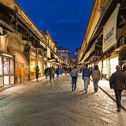 Parcheggiare nelle vie dello shopping a Firenze