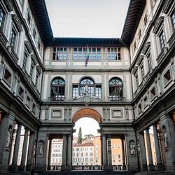 Parcheggiare vicino agli Uffizi nel centro di Firenze