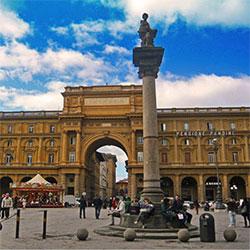 Parcheggiare vicino Piazza Della Repubblica a Firenze senza problemi