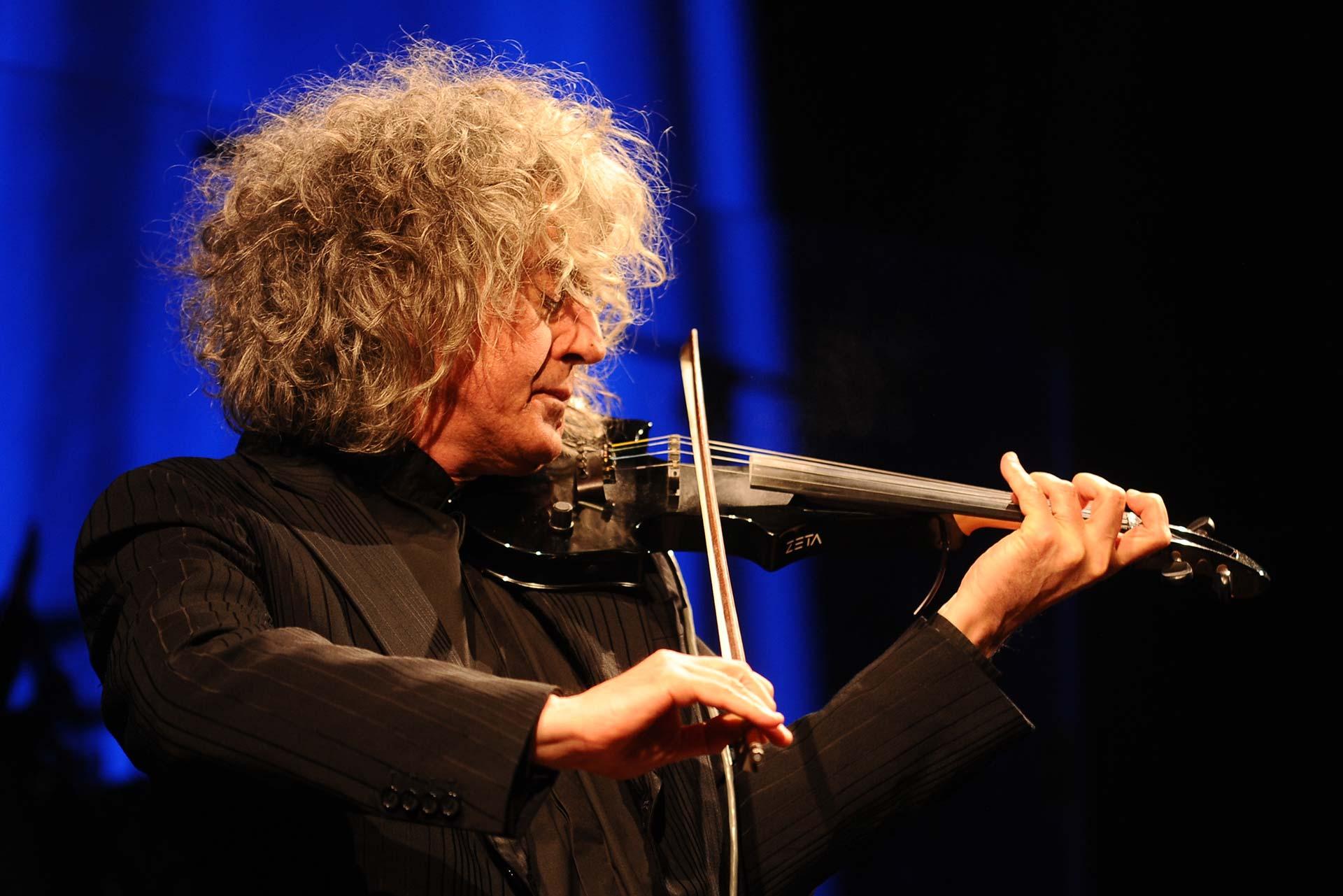 Branduardi in concerto al teatro Verdi